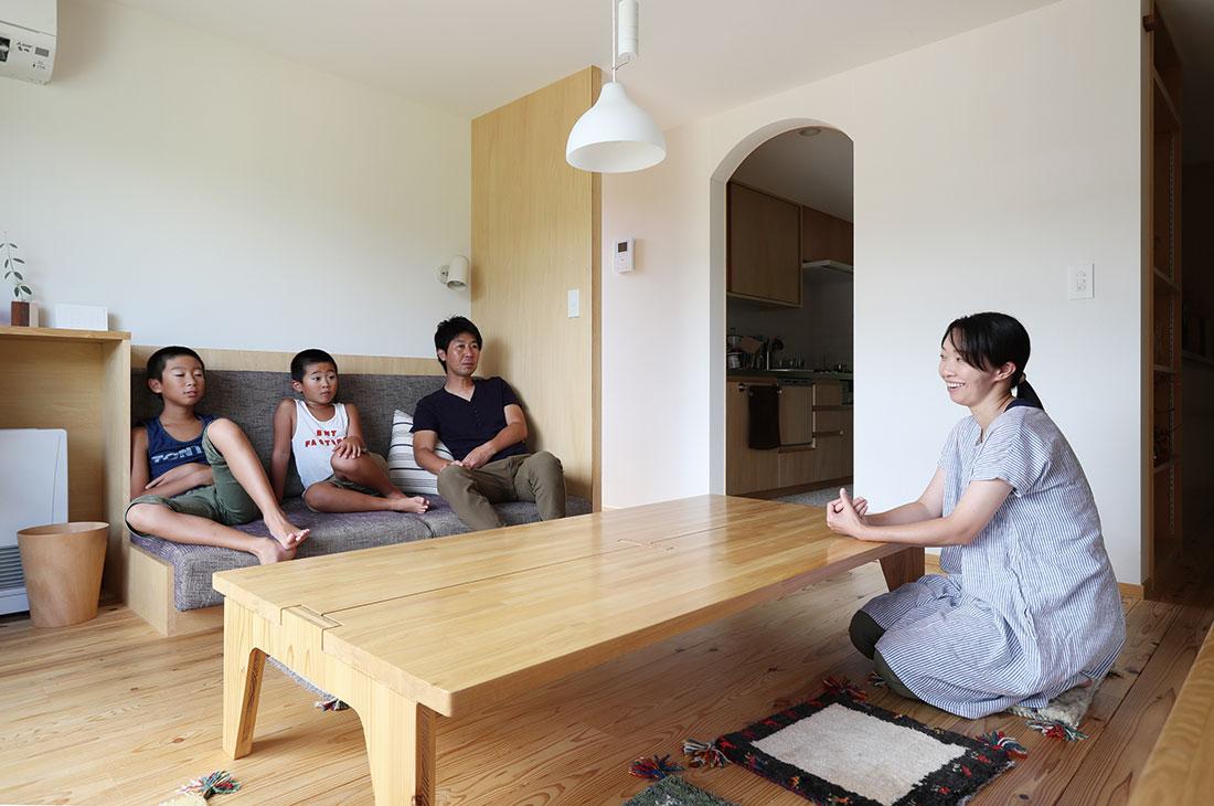 3人で座れるソファ